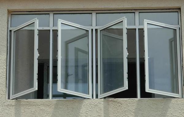 Các loại cửa nhôm kính cao cấp thường có khả năng cách âm, cách nhiệt rất tốt